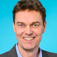 Dr. Bernhard Harrer