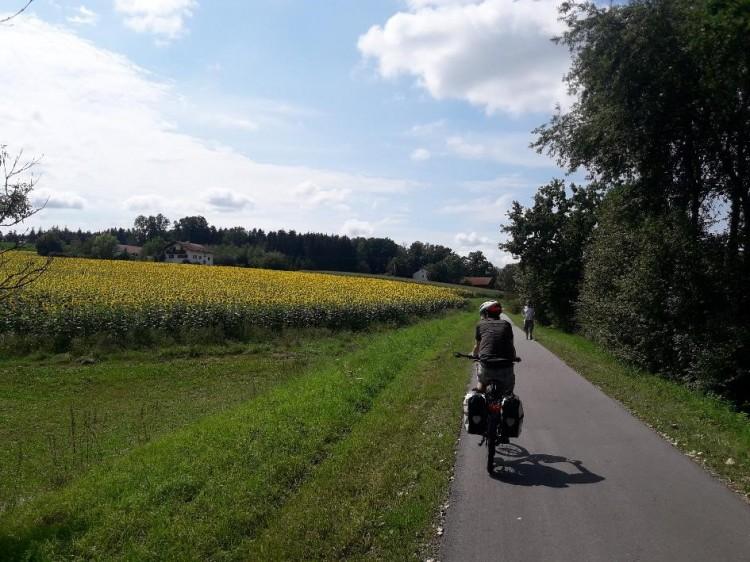 dwif erstellt Machbarkeitsstudie und Umsetzungskonzept für Fernradweg